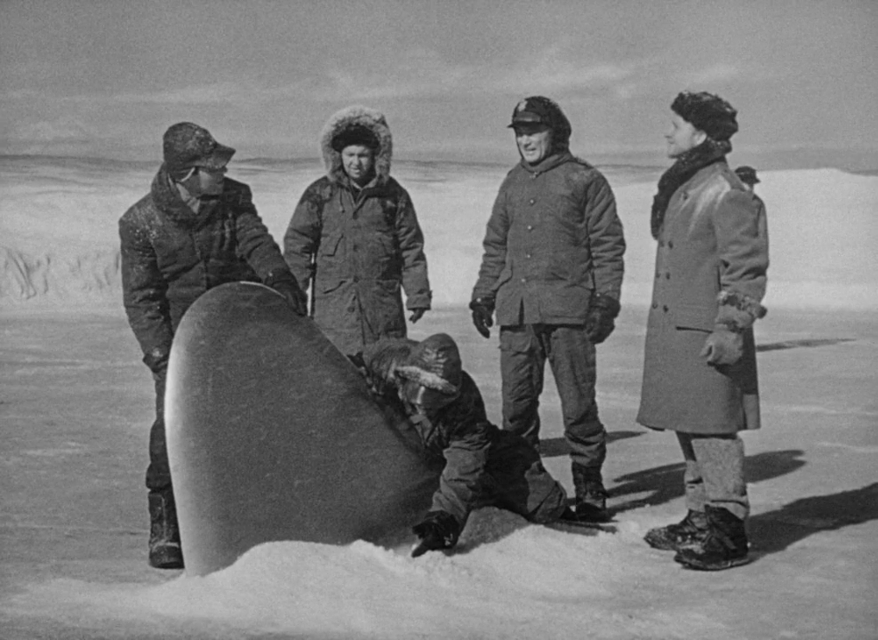 Нечто из другого мира / The Thing From Another World (1951/BDRip) 720p